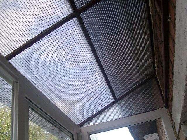 Остекление поликарбонатом балкона ремонт обшивки балкона вагонкой