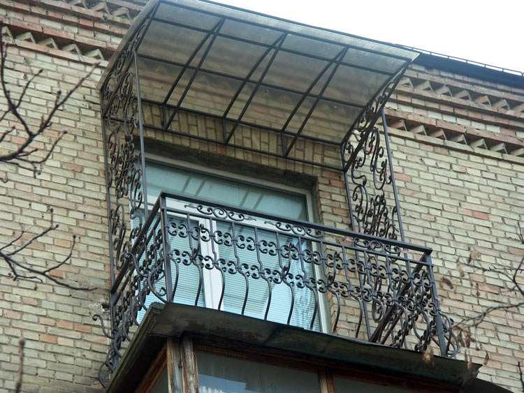 Как сделать козырек над балконом своими руками 27