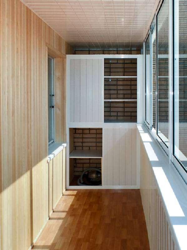 Шкафы на балконе дизайн фото