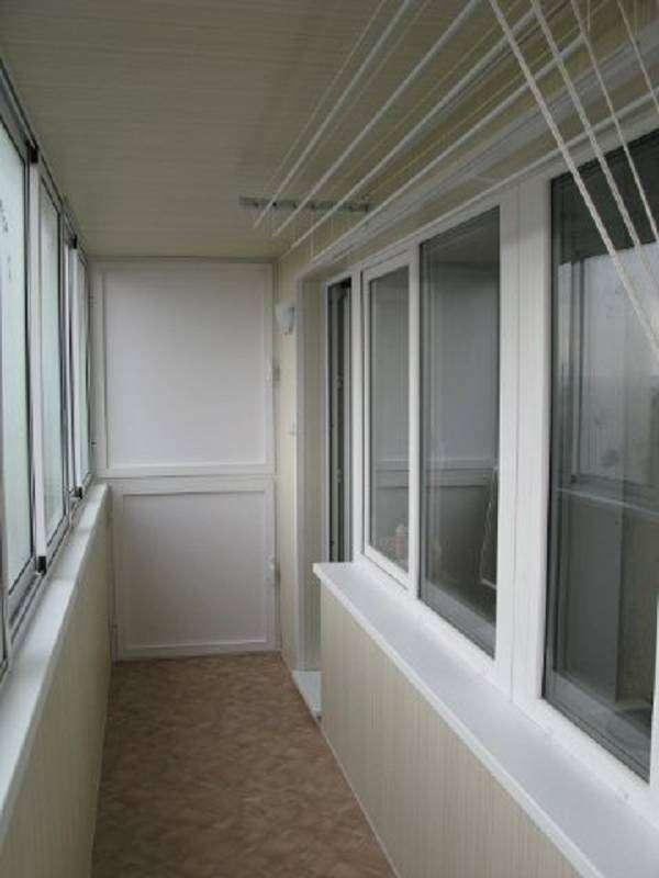 Ремонт панелями на балконе застеклить балкон полностью фото