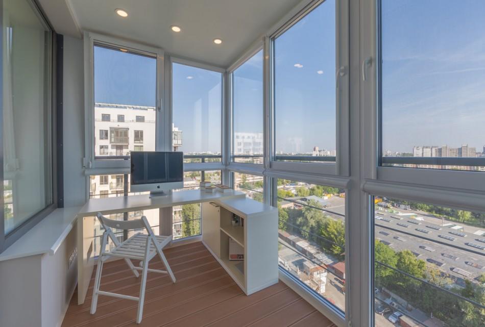 это можно дизайн балкона с панорамным остеклением фото мужчина